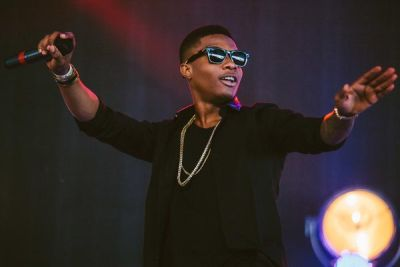 """""""The Cannabis You Are Smoking Is Drying You Up"""" – Fans Tell Wizkid"""