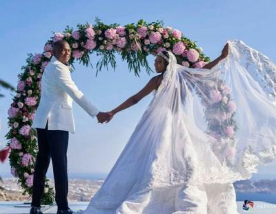 Newly Weds Stephanie Coker And Olumide Aderinokun Honeymoons In Barcelona Spain